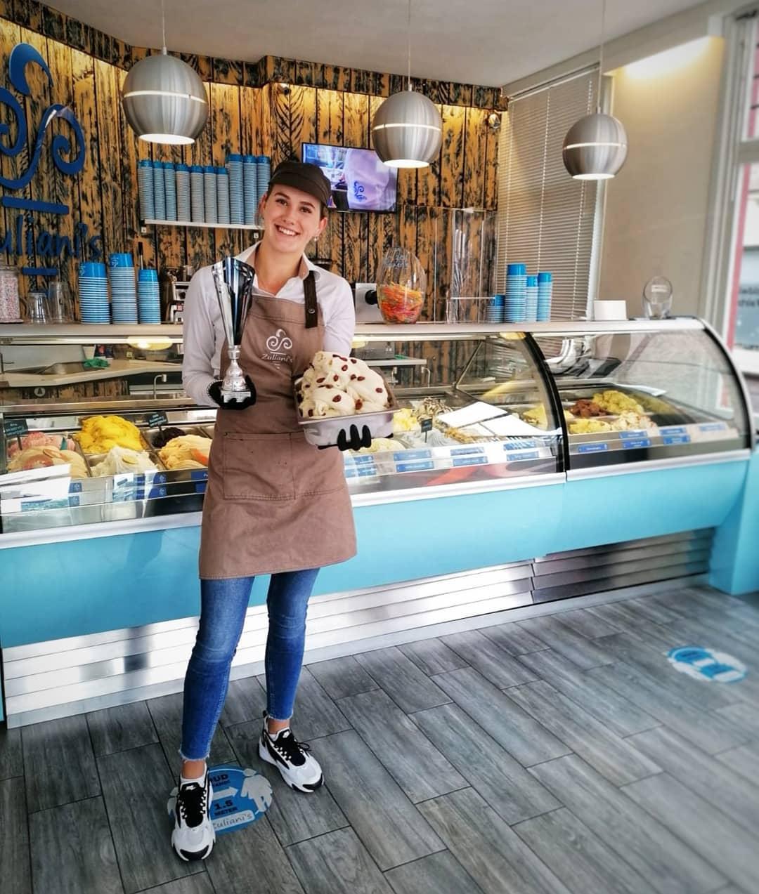 Zuliani's is nog altijd trots op de behaalde prijs met ons Amandel ijs! Hij ligt vanaf vandaag in de winkels