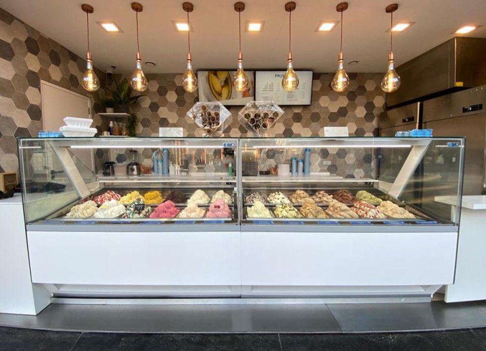 Alle dagen van de week tot 20:00 uur geopend voor het lekkerste ijs van Zoetermeer! Ma t/m vr 11:00 - 20:00Zaterdag 10:00 - 20:00Zondag 11:00 - 20:00∘ Dorpsstraat Zoetermeer∘ Stadshart ZoetermeerAlleen afhalen, ook verpakkingen ijs voor thuis